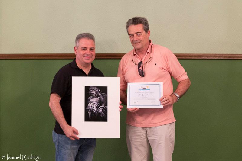 Santos Moreno y José Beut (recogiendo diploma de Juan Luis Durán)